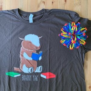 NWOT Brown Tee: Brainy Yak Reading Books